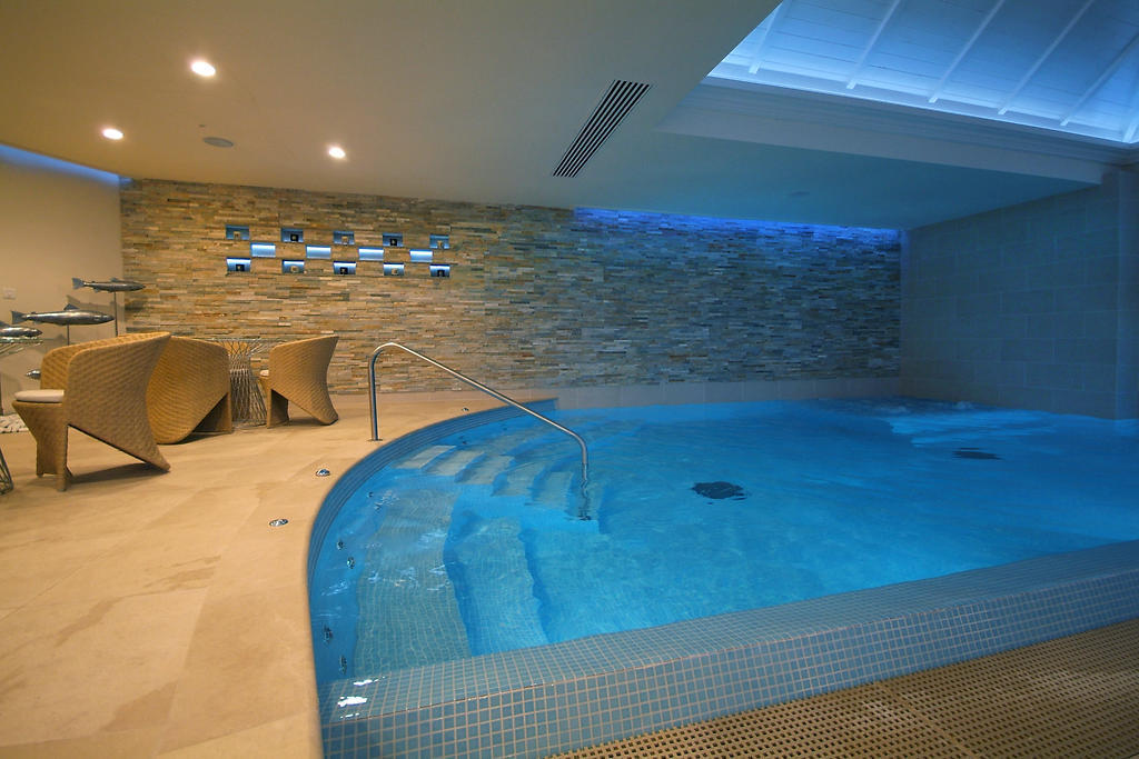 luxury hot tub image