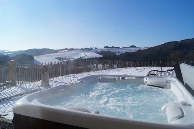 Best Hot Tub Under 4000 Image